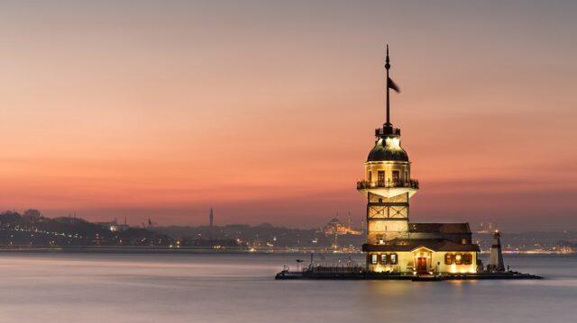 Kız Kulesi'nin Tarihi ve Efsaneleri